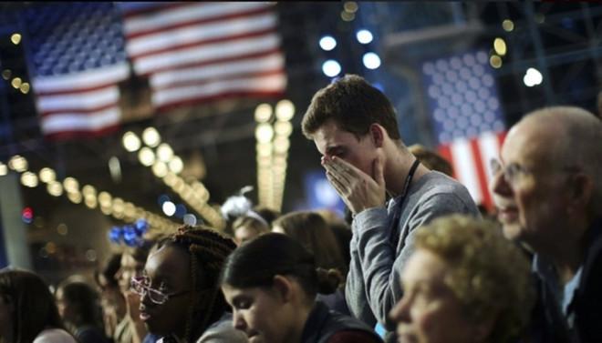 Clinton tarafında kutlamalar hüzne dönüştü