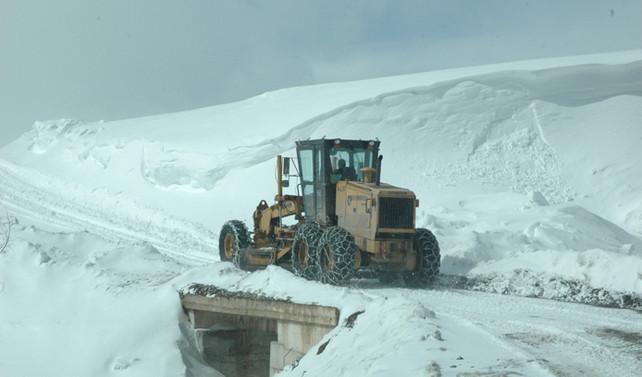 874 köy yolu ulaşıma kapandı