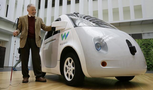 Google sürücüsüz aracının markasını tanıttı