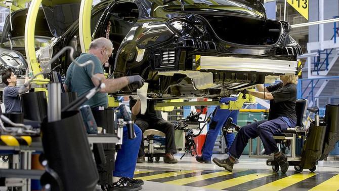 Avrupa'da sanayinin çarkı yavaşladı