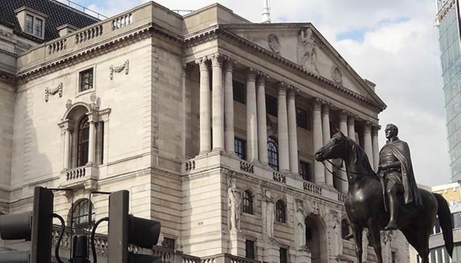 BoE, faizde değişiklik yapmadı