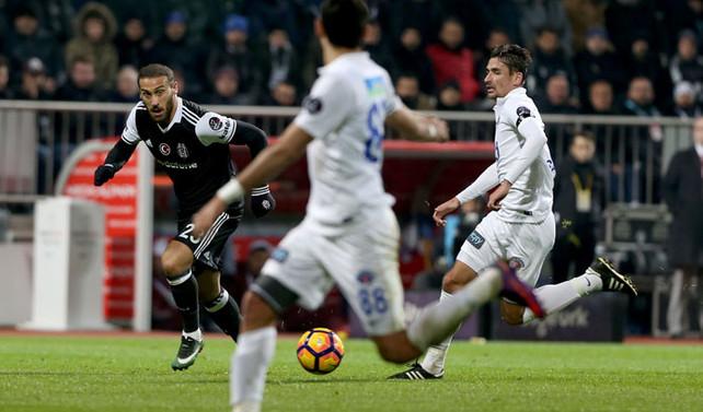 Beşiktaş ilk mağlubiyetini aldı