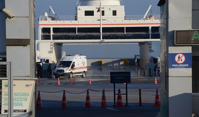 Yalova'da vapur iskeleye sert yanaştı: 8 yaralı