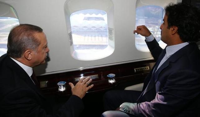 Erdoğan, Katar Emiri'ni havalimanında karşıladı