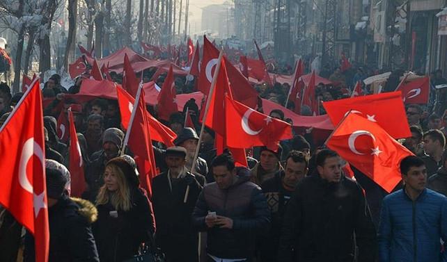 Yüksekova'da 'teröre lanet' yürüyüşü