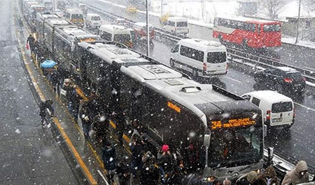 İstanbul'a öğle saatlerinden sonra kar geliyor