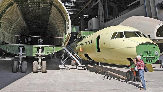 Antonov, Rus parçası olmayan uçak üretti