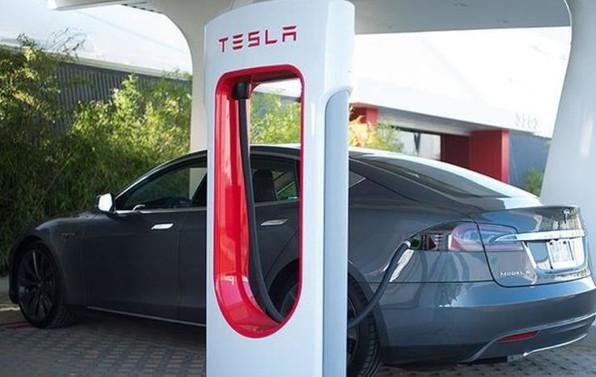 Tesla 2017'de Türkiye'ye geliyor