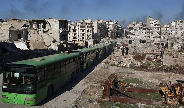 Halep'te araçlar yeniden hareket etti