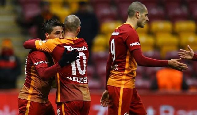 Galatasaray uzatmalarda güldü