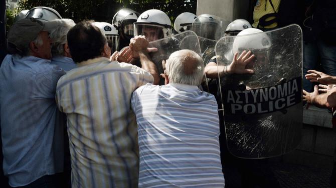 Yunanistan'da 'emekli' krizine çözüm aranıyor
