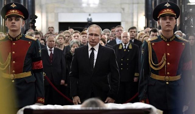 Rus Büyükelçi Karlov törenle uğurlandı