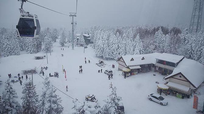 Uludağ'da kar 1 metreyi aştı