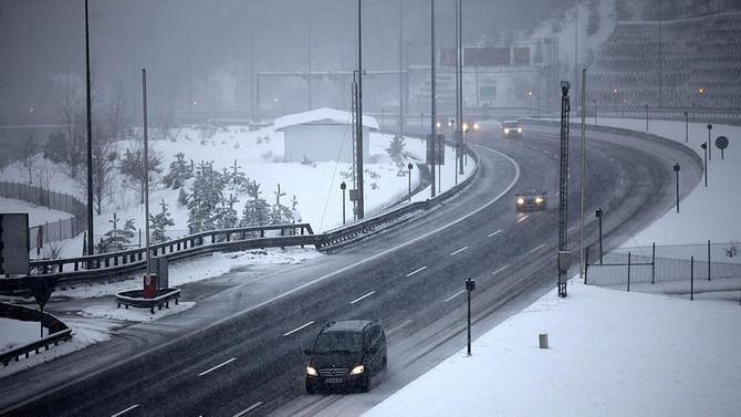 Bolu Dağı'nda kar engeli