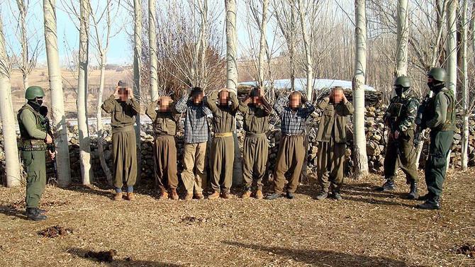 8 terörist teslim oldu