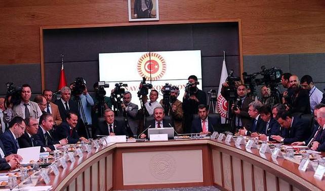 'Cumhurbaşkanı'na OHAL yetkisi' komisyondan geçti