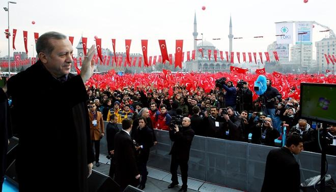 Erdoğan, 'TL'ye çevirin' çağrısını yineledi