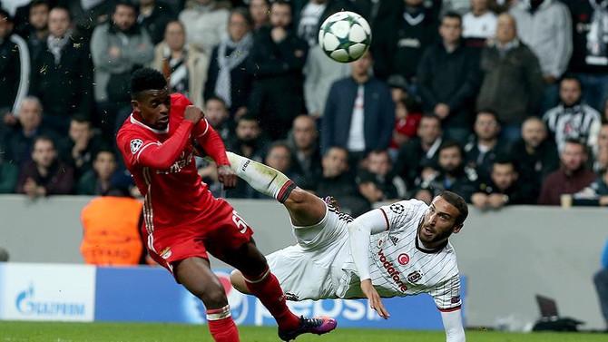 Avrupa'da haftanın golü Cenk Tosun'dan