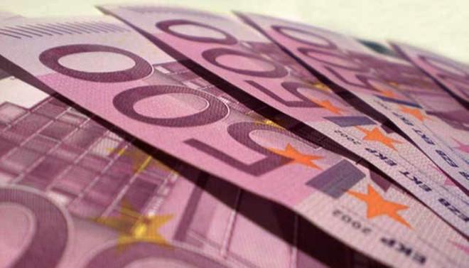 Üç büyük bankaya yarım milyar euroluk ceza