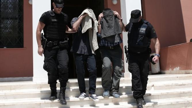 Yunanistan 2 askerin iade talebini reddetti