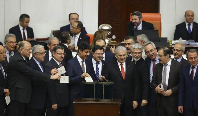 Anayasa değişikliği teklifinde 9. madde kabul edildi