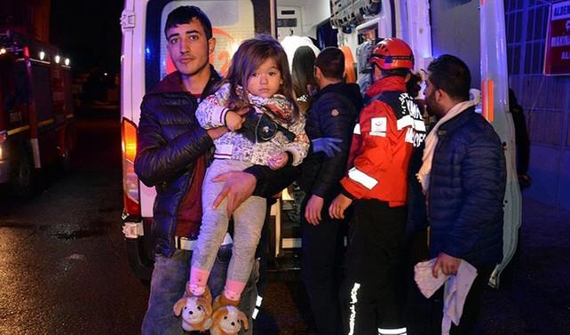Bursa'da yangın paniği: 17 kişi hastaneye kaldırıldı