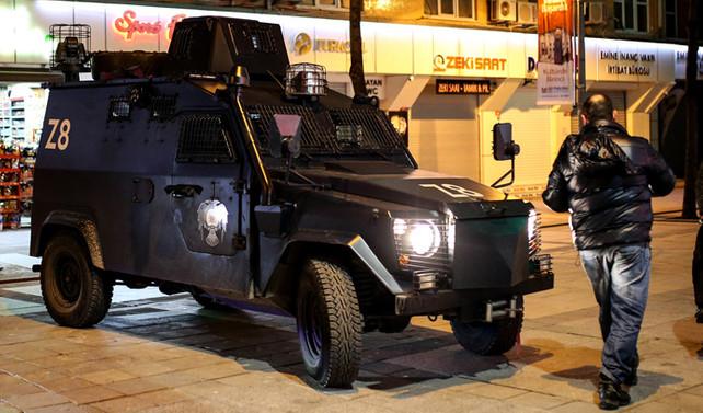 Karlov suikastında biri polis memuru 2 kişi tutuklandı