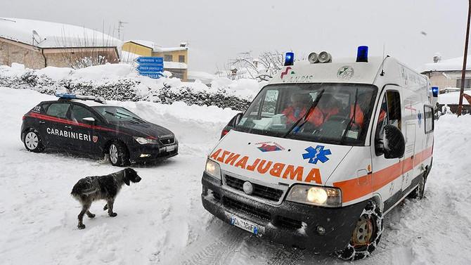 İtalya'yı depremler ve çığ vurdu