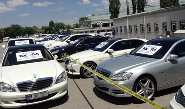 Lüks otomobiller gümrüğe takıldı