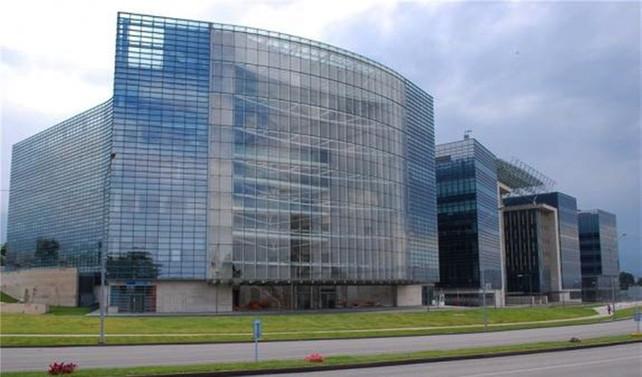 Kazakistan'ın iki büyük bankası birleşiyor