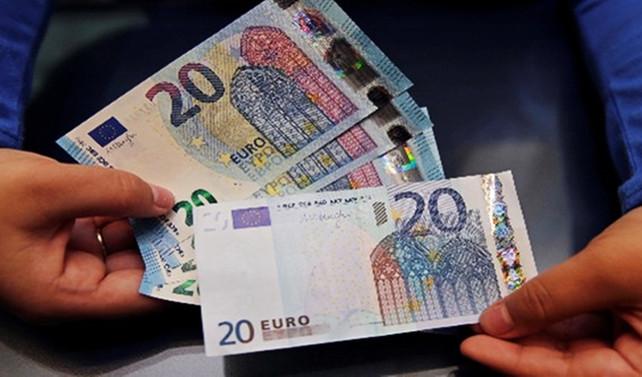 Euro Bölgesi'nde PMI ocakta hafif geriledi
