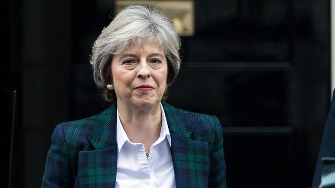 İngiltere Başbakanı May'den Trump'a 'Rusya uyarısı'