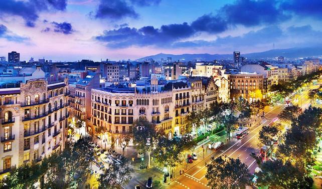 Barcelona'da yeni otel açmak yasaklandı