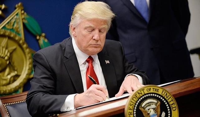 Trump regülasyonları kaldırmak için imzayı attı