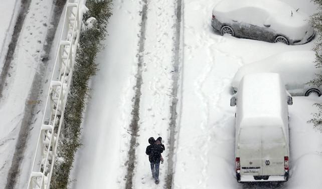 Soğuk hava Avrupa'yı vurdu: 23 ölü