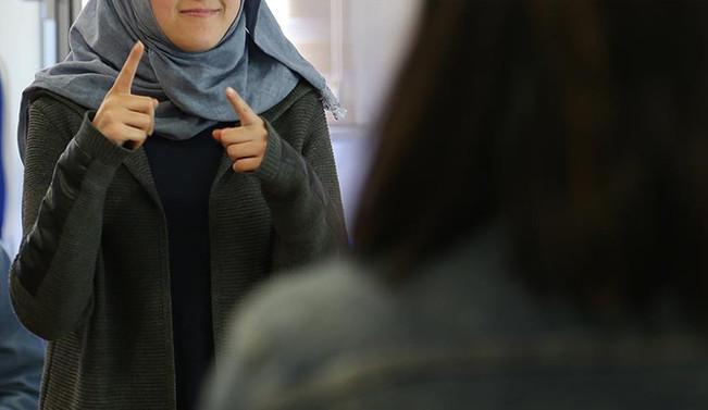 İşaret dili internet ortamından öğrenilebilecek