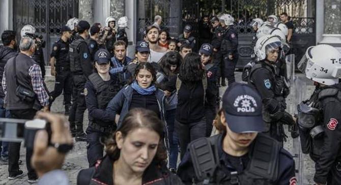 İstanbul Üniversitesi'nde gerginlik: 67 gözaltı