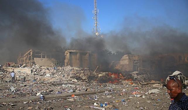 Somali'deki bombalı saldırıdaölü sayısı 300'ü aştı