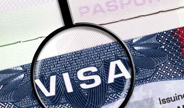 Kriz, aylık 10 bin Türk'ü vizeden ediyor