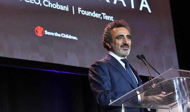 'Çocukları Koruyun'dan Ulukaya'ya 'Yardımseverlik Ödülü'