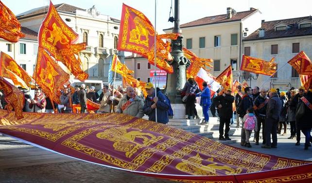 İtalya'da gündem özerklik