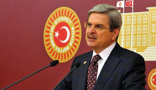 Aytun Çıray CHP'den istifa etti