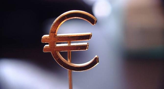 Euro Bölgesinde ekonomik faaliyet yavaşladı