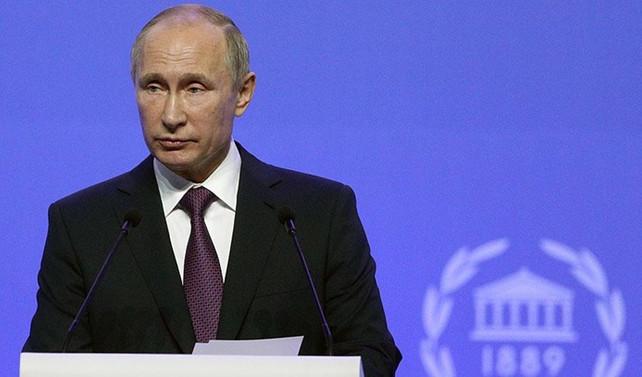 Putin: Ruble kuru dengelendi
