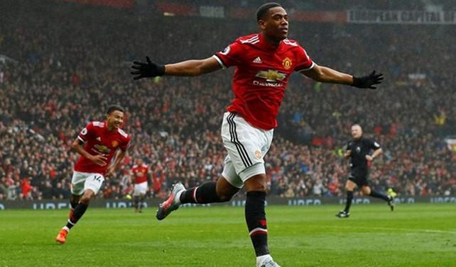 Manchester United'dan kritik galibiyet