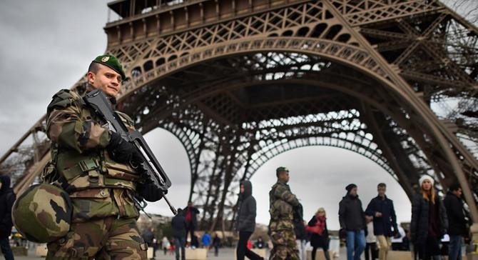 Fransa'da terörle mücadele yasa tasarısı onaylandı