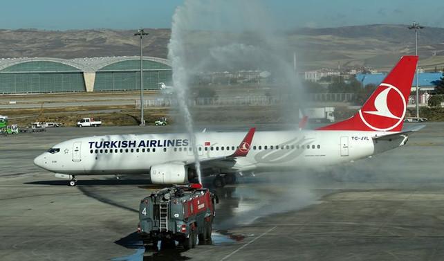 THY, Ankara-Paris uçuşlarına başladı