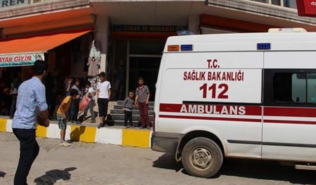 Hakkari'de polis noktasına yıldırım düştü: 3 yaralı
