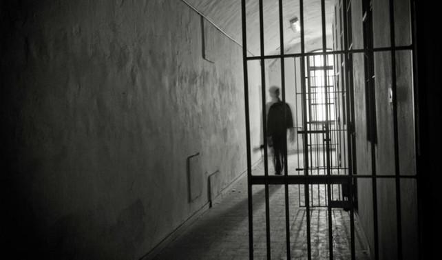 Hapishanelerdeki kalabalık radikalleşmeye yol açıyor