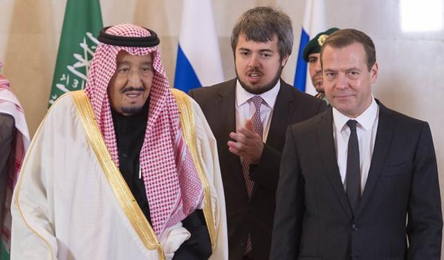 Kral Selman, Medvedev ile görüştü